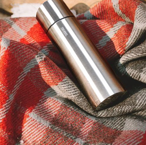 Thermos and Thermotasse